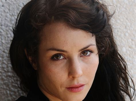 noomi rapace wallpapers images  pictures backgrounds