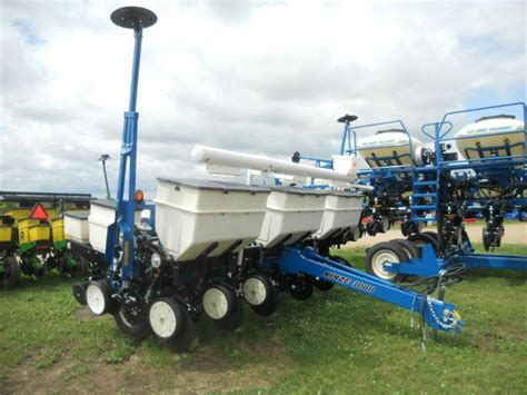 wisconsin ag connection kinze 3000 row crop planters for