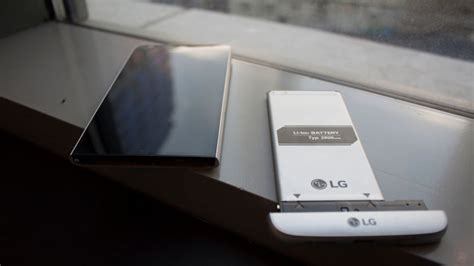Hp Lg G5 Terbaru lg s g5 is like an all metal phone prototype from the future