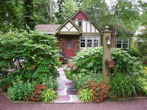 cottage landscaping ideas for front yard gorgeous landscapes hgtv