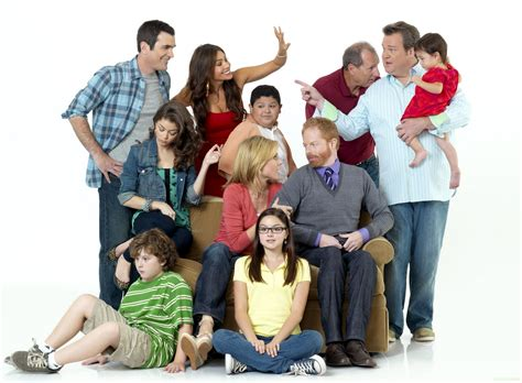 modern family halloween 3 awesomeland recap abccom modern family recap quot open house of horrors quot den of geek