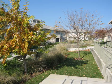 uc merced housing file swale uc merced student housing jpg wikimedia commons