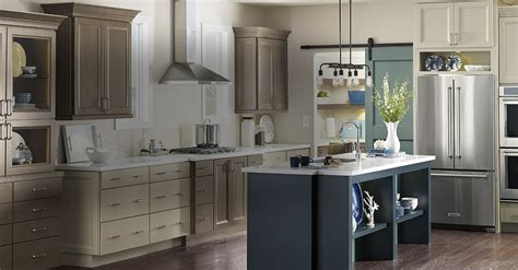lowes kitchen cabinet paint green painted kitchen cabinets lowes country living plans and