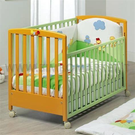 immagini di culle lettino per bambini con coordinato letto e paracolpi