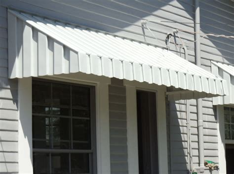 Aluminum Awnings For Doors by Get Your House Protected With The Aluminum Awnings