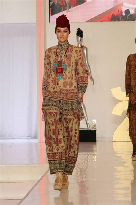 Baju Muslim Itang Yunasz Kamilaa cantiknya busana kamilaa itang yunasz foto 3 co id