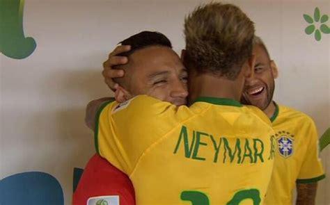 alexis sanchez y neymar el saludo de neymar jr y alexis