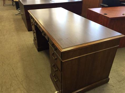 Kimball Office Desk Used Office Desks Executive Desk By Kimball Office Furniture At Furniture Finders