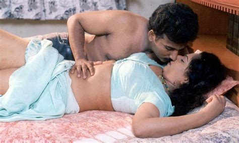 www bedroom sex video com mallu aunties photos desi couple hot pictures in bedroom