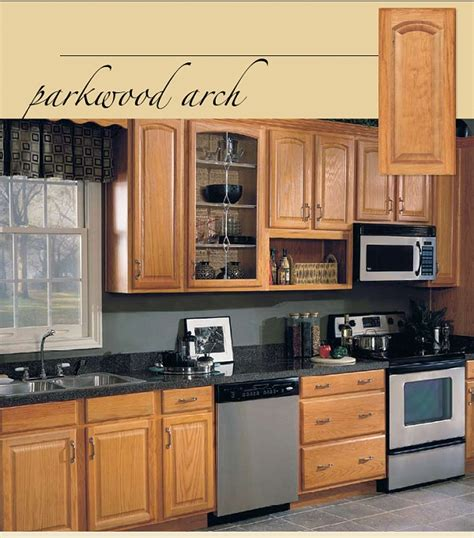 Best Hardware For Oak Cabinets by Oak Kitchen Cabinets Parkwood Arch Oak Base Kitchen