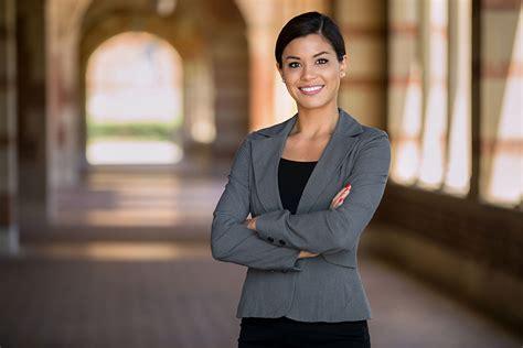 Bewerbungsunterlagen Juristen Jurist Juristin Berufsbild Ausbildung Gehalt Und Bewerbung