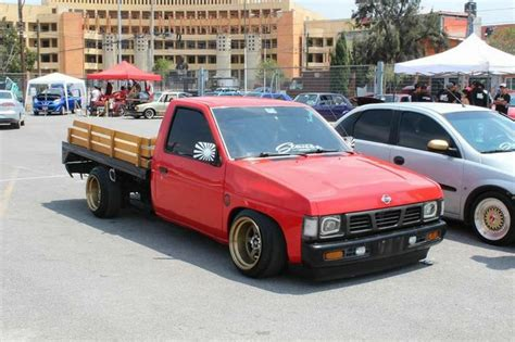 slammed nissan truck 24 best hardbody nissan d21 images on pinterest mini