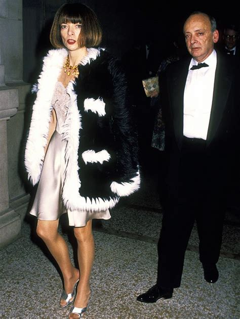 Anna Wintour's Earliest Style Moments Are Just Golden
