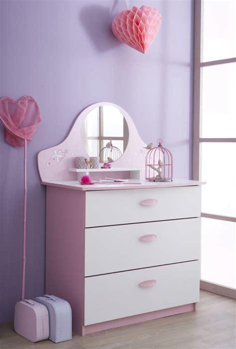 chambre enfant papillon commode papillon blanc