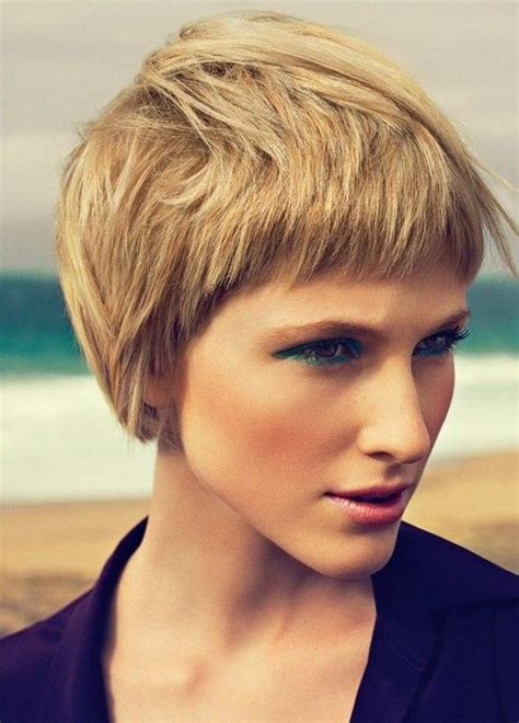 short layers crown long lat best 25 short layered hairstyles ideas on pinterest