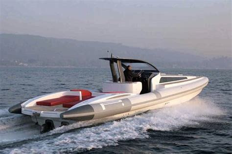 gommoni cabinati nuovi gommone pirelli pzero 1400 cabin yacht e vela