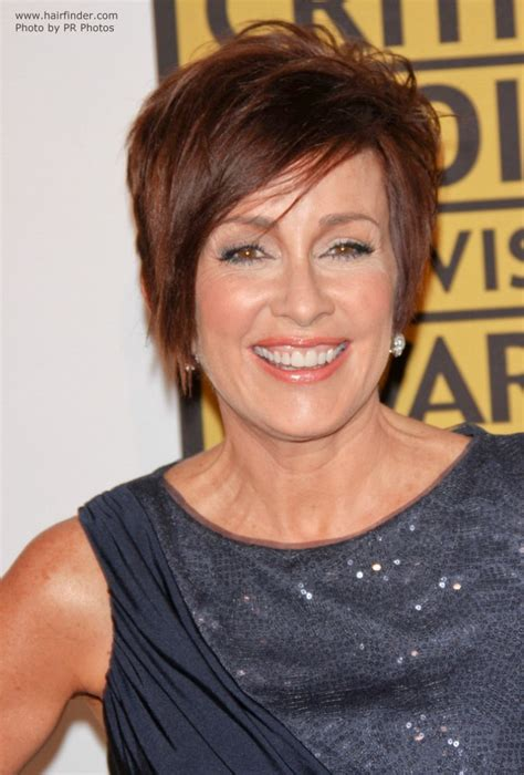 Patricia Heaton wearing her hair short in a pixie
