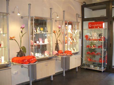 arredamento negozio telefonia arredamento per negozi di telefonia toscana belardi