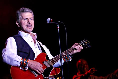 johnny rivers plays golden oldies  treasure