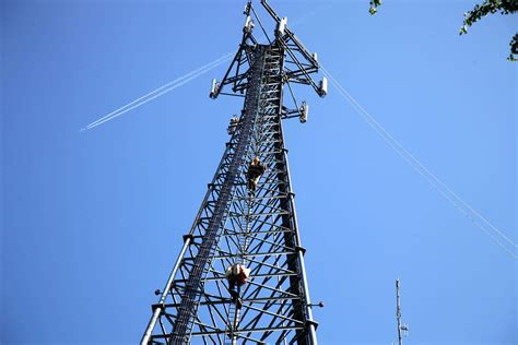 henkels mccoy cell tower antenna installation