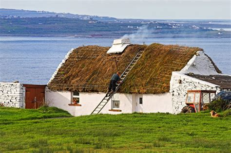 thatched cottages in ireland traditional thatch roof cottage ireland cottages ireland