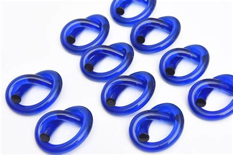 twisted dorothy set of ten cobalt blue twisted dorothy thorpe napkin rings