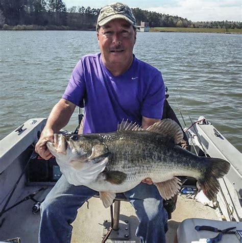 Ga Records Breaks Record For Largest Bass Gafollowers