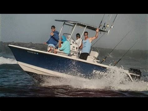 trophy center console boats reviews trophy 1903 center console review youtube