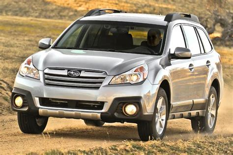 difference between subaru outback and legacy whats the difference between the 2013 subaru legacy and