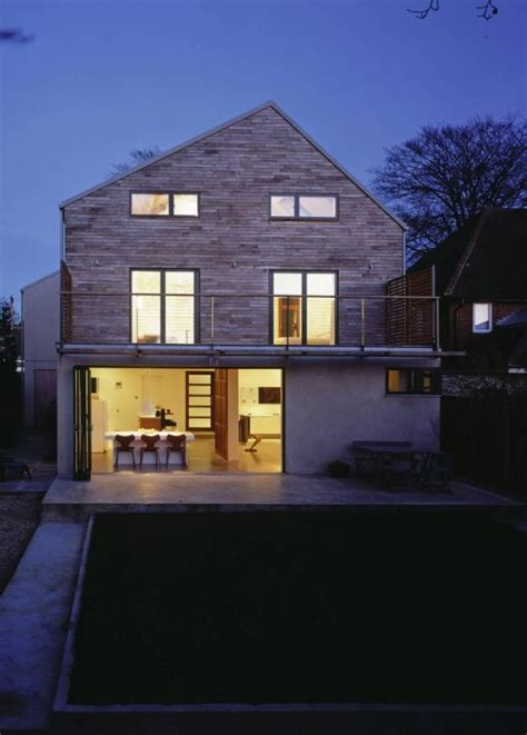 Full remodeling and extension of a detached 1950?s villa