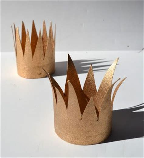 How To Make A Paper King Crown - best 25 paper crowns ideas on
