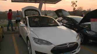 Electric Car Tesla Owner Tesla Owners Helping Iowans Test Drive Electric Cars