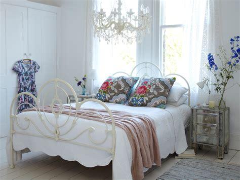 Increíble  Camas Estilo Romantico #3: Elegant-Shabby-Chic-Style-Bedroom-Design.jpg