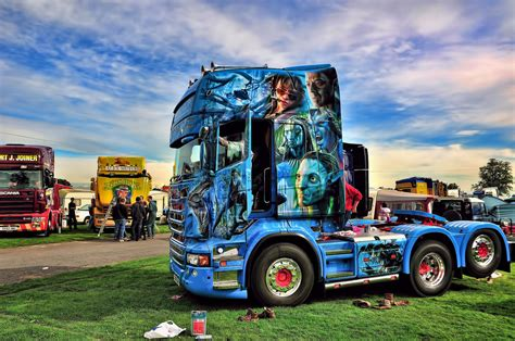 truck painting avatar truck paint taken at truckfest 2011