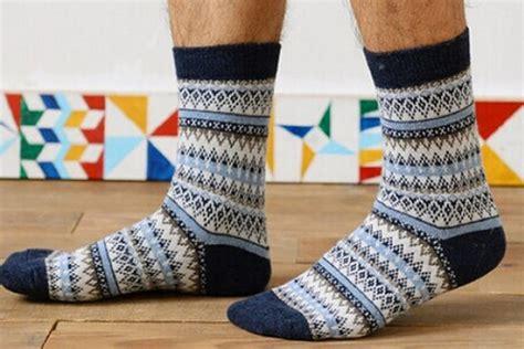 Kaos Kaki Anak Cowo jangan sai kegantenganmu terkurangi ini 7 tips memilih dan merawat kaos kaki untuk pria