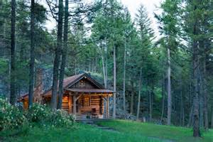 2 000 Square Feet Pin Cabin In Montana Mountains Designed By Jeff Shelden