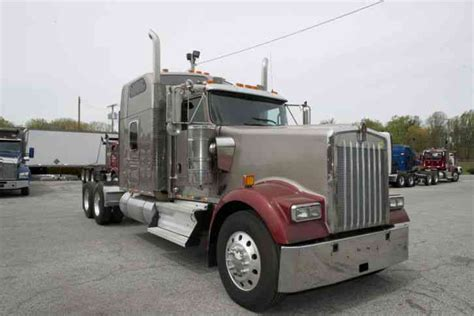 W900 Studio Sleeper by Kenworth W900 2007 Sleeper Semi Trucks