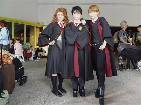 Hermione Granger Description by File Cosplayers Of Hermione Granger Harry Potter And