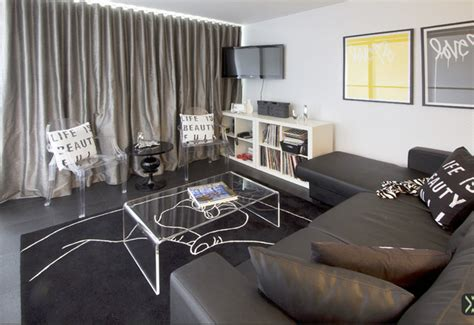 Dj Room by Traveling Dj S Studio Apartment Living Room New York
