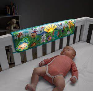 neonato nella culla come deve dormire un neonato