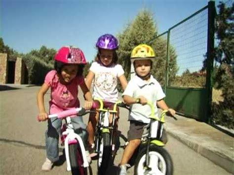 imagenes de niños jugando en bicicleta smartbikes bicicletas pilotos oficiales youtube