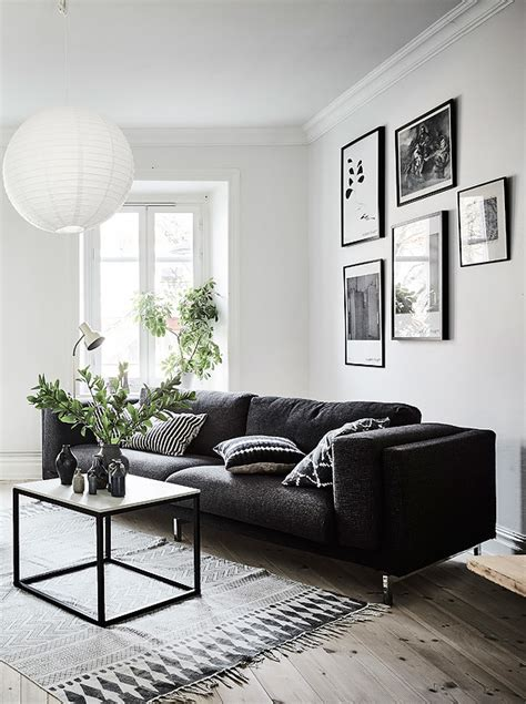 living room in black white and gray with gallery