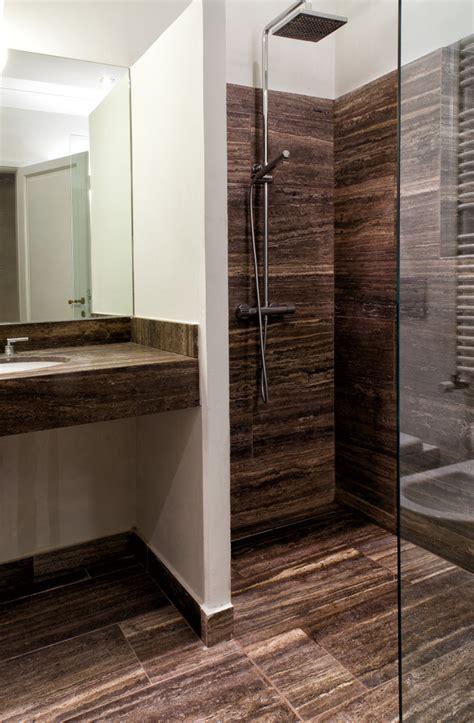 bagni di pietra bagni con parete in pietra soggiorni rustici in pietra