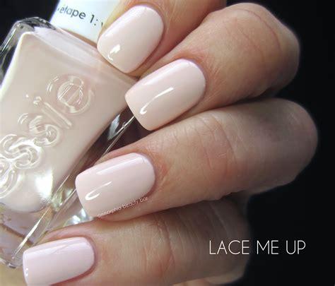 Essie Of The nail ommorphia bar