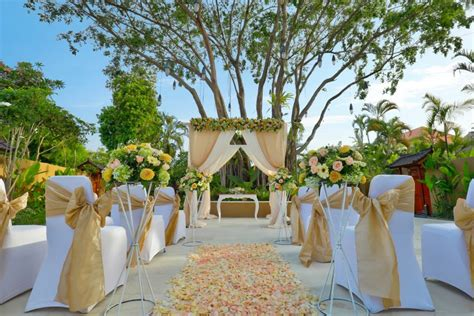 impiana private villas seminyak wedding venues  bali hitchbird