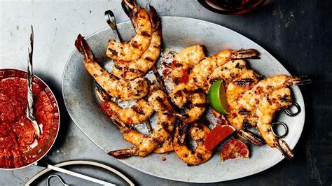 how to assemble shrimp skewers like a professional bon