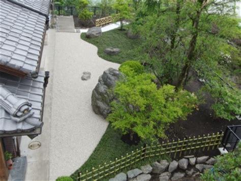 K 246 P H11 Led 和風庭園 白砂利とタマリュウと景石の世界