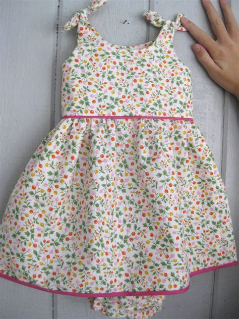 Free Pattern Newborn Dress | baby dress space thyme
