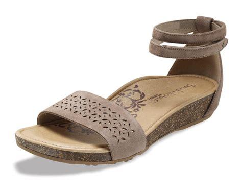 sandals at the aetrex marissa cork lynco sandals free shipping