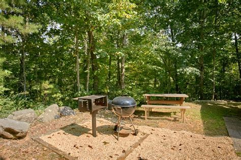 Roadside Grill And Cabins by Cobbly Nob 2 Bedroom Cabin In Gatlinburg Tn